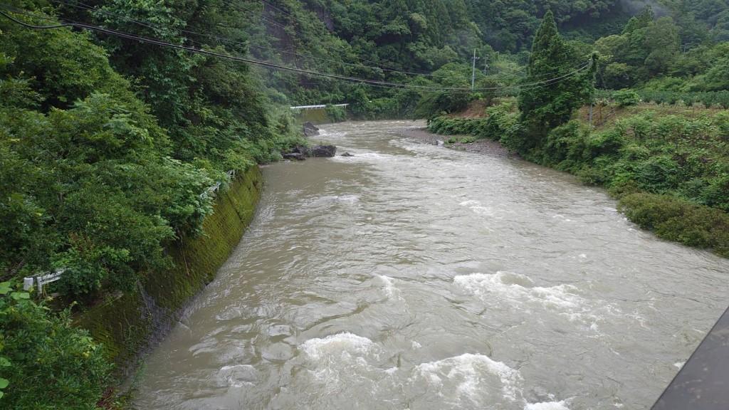 桑尾第一橋から上流